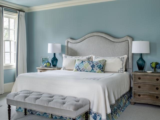 Stratford Road Residence 1 bedroom bed lamps stool Pebbles Nix Interiors
